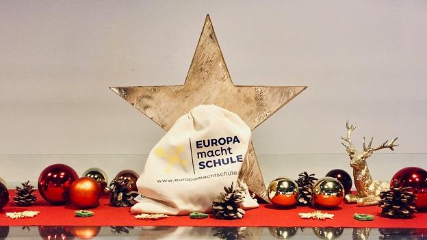 Weihnachtsdeko mit einem Europa macht Schule Obstbeutel