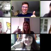 Screenshot, der alle Teilnehmenden des Treffens zuhause vor der Kamera zeigt