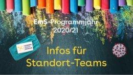 """Kreidetafel mit dem Text: """"Infos für Standort-Teams"""""""