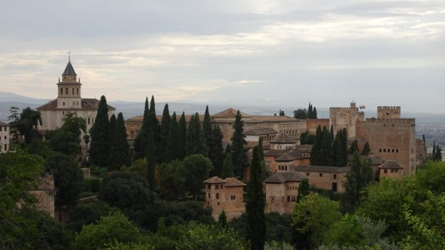 Blick auf Alhambra in Andalusien